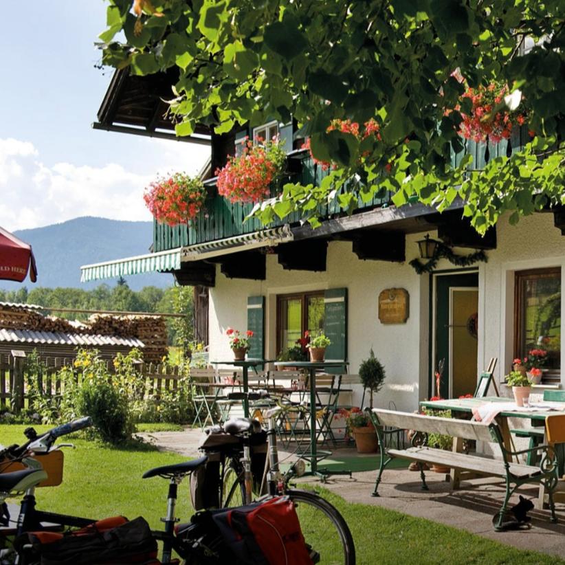 Bauernhaus_Gastgarten_Ennsradweg