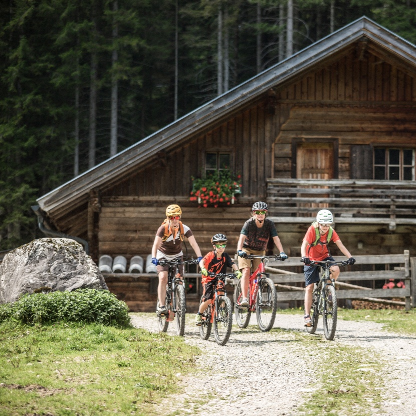 Fahrradurlaub mit Kindern, Mountain Bike Tour familientauglich Bikeurlaub Flachau