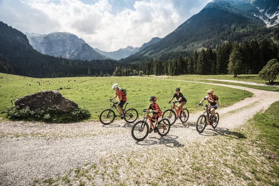 Mountainbike Urlaub mit Familie inklusive Bike Verleih