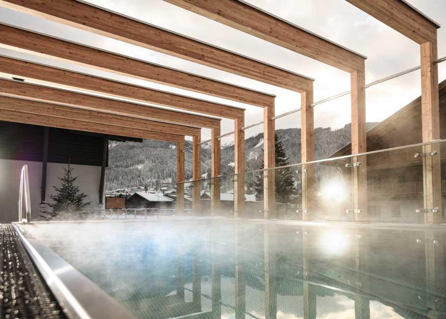 Pool am Dach im Sporthotel Tauernhof